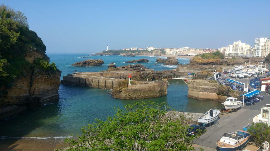 happycurio port des pecheurs biarritz
