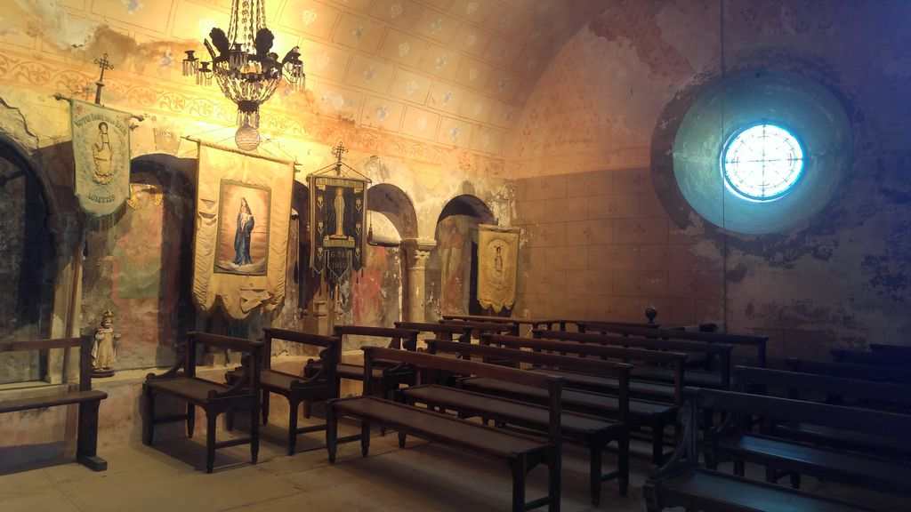 grotte de la balme chapelle