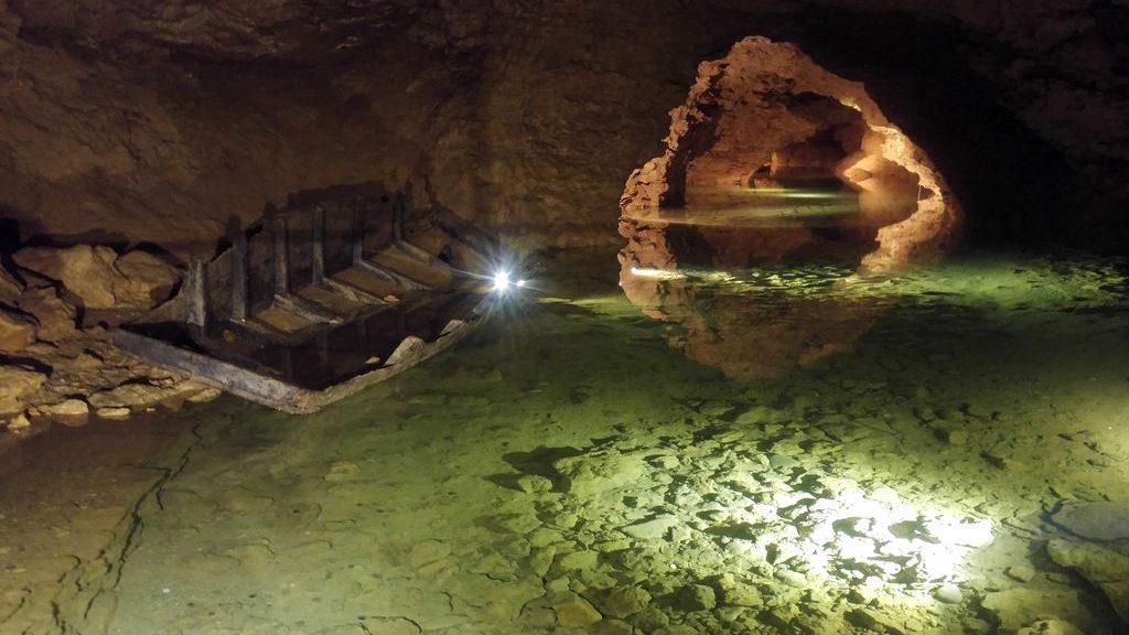happycurio grottes balme que faire autour de lyon