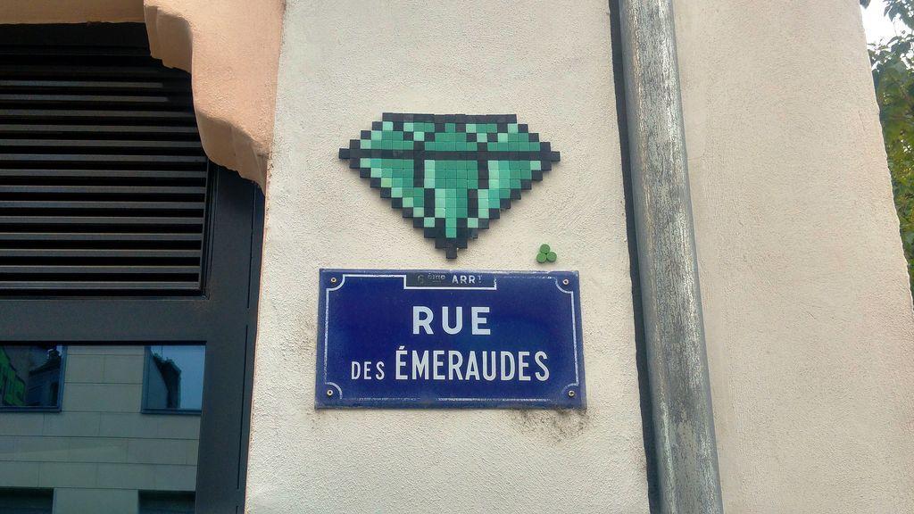 happycurio mifamosa rue des emeraudes lyon street art