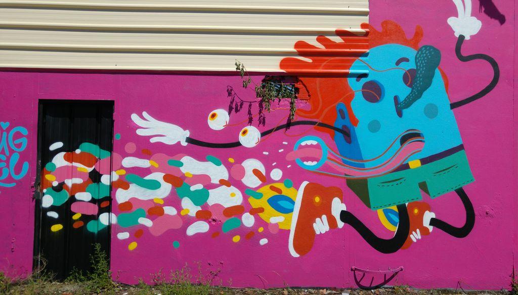 happycurio street art gruyere bordeaux caserne niel