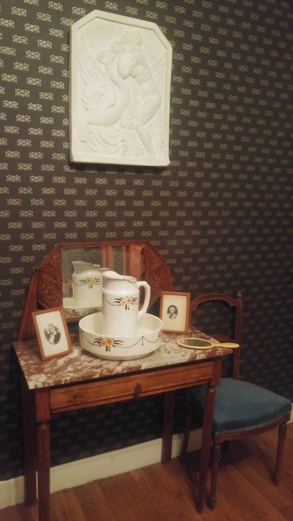 happycurio sur place ou a emporter chambre appartement 1930 villeurbanne