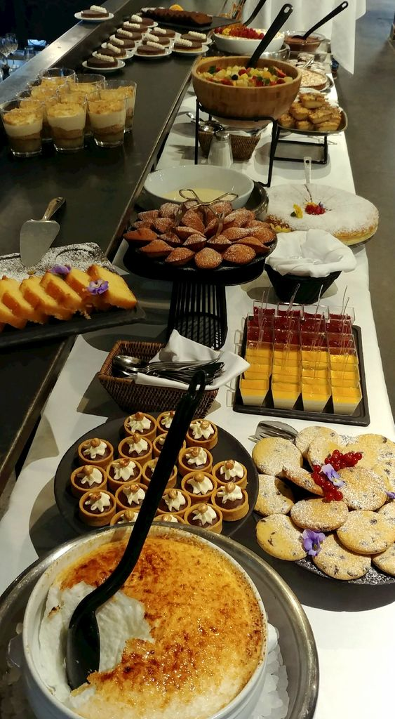 buffet de desserts au brunch du selicus lyon