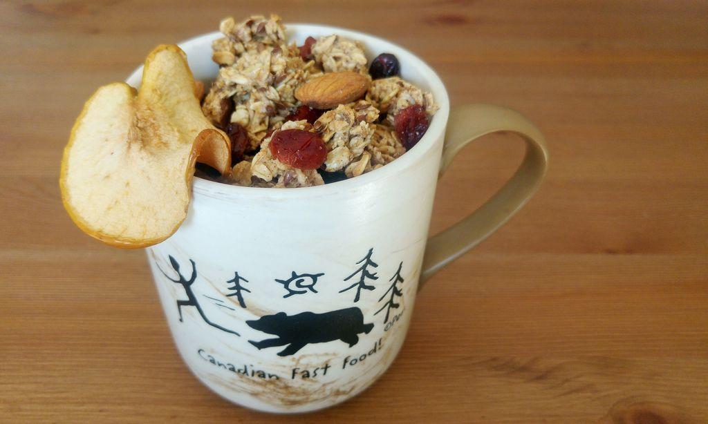 happycurio granola croustillant canada pomme erable cranberry amandes