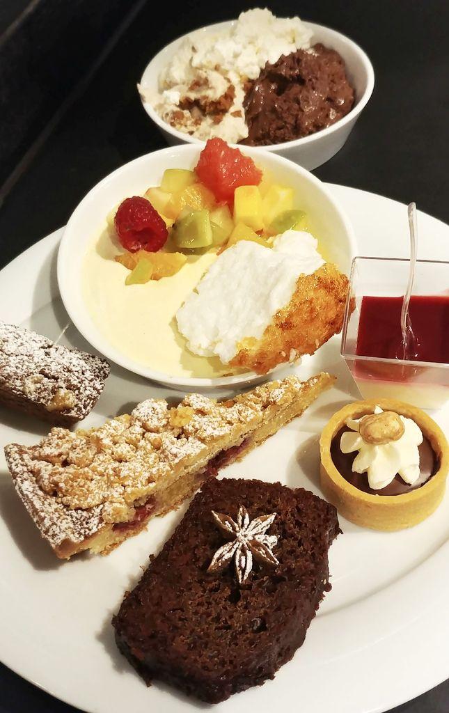 choix de desserts au brunch du selcius