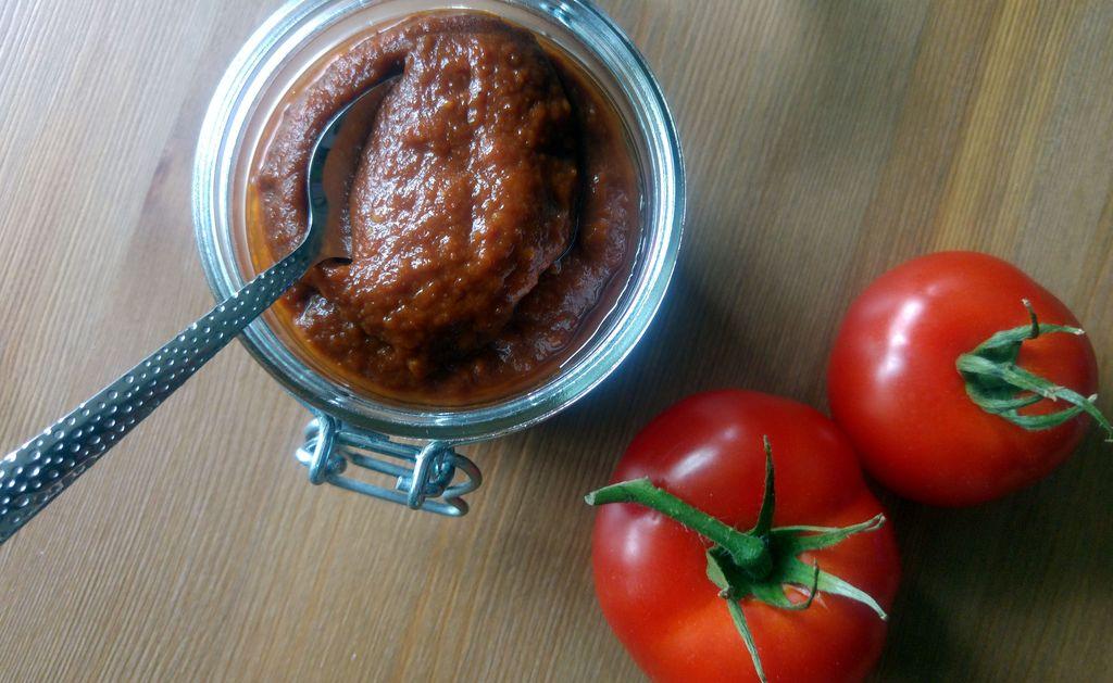 bocal de ketchup tomate vinaigre balsamique