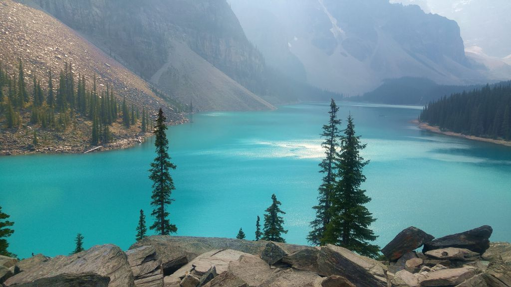 lake louise moraine canada banff national park