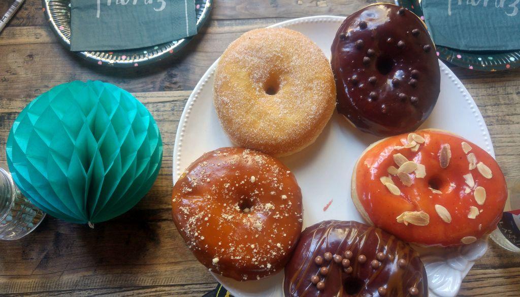 sweet gones donuts dorodi