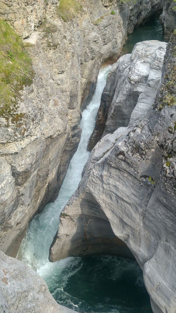 cascade au maligne canyon