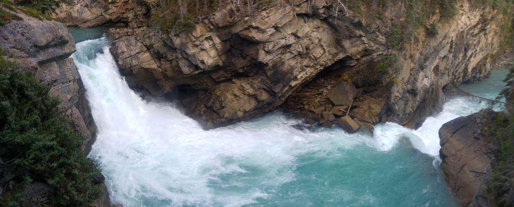 lower sunwapta falls canada