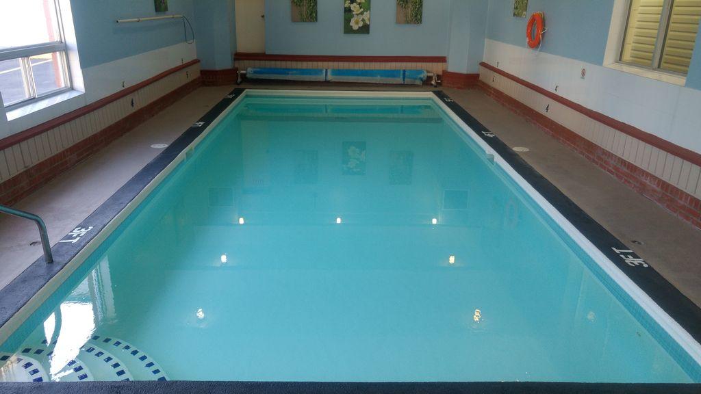 piscine hotel kamloops