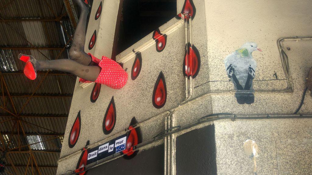 big ben droit dans le mur lyon peinture fraiche