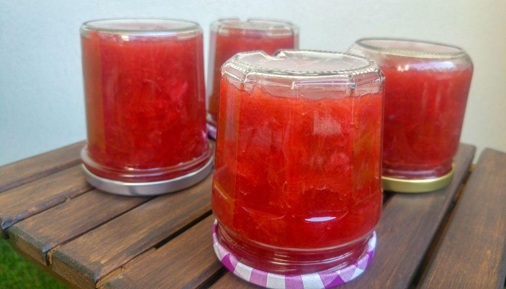 confiture de rhubarbe fraise
