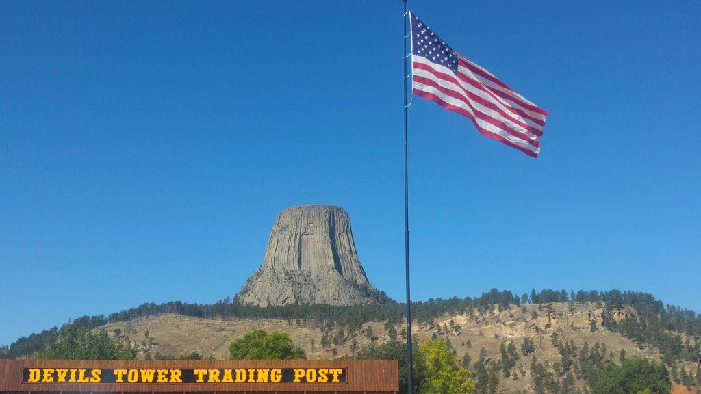 devil's tower trading post