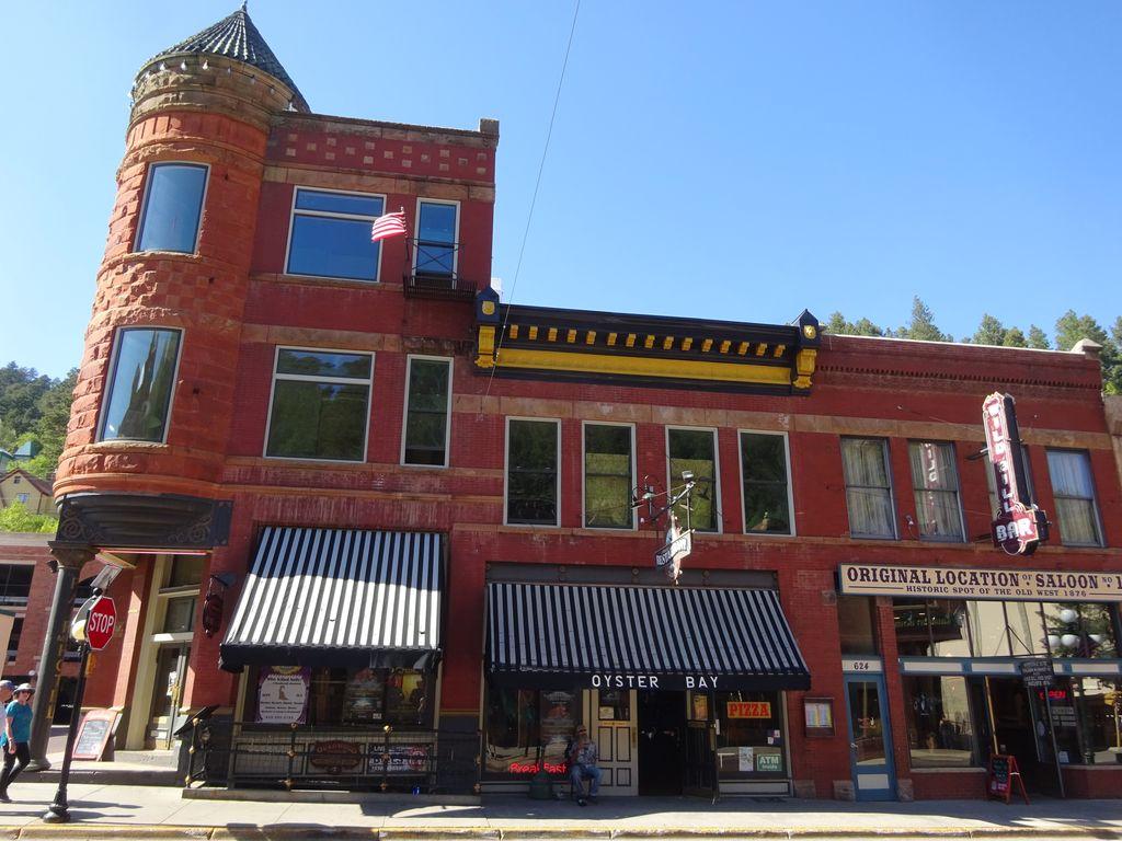 historic deadwood saloon