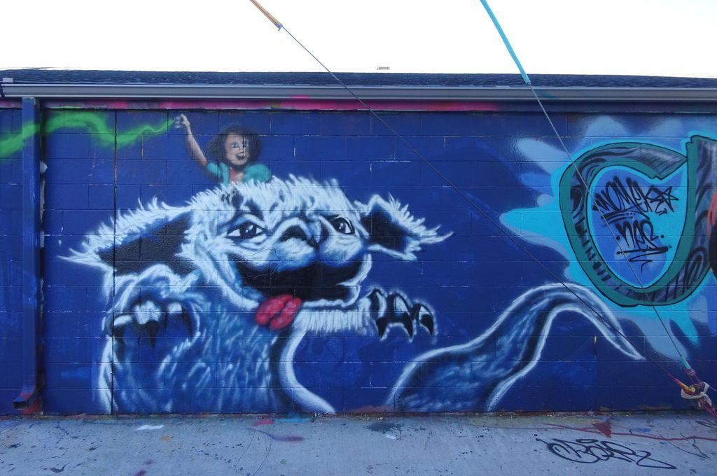 denver street art falkor l'histoire sans fin