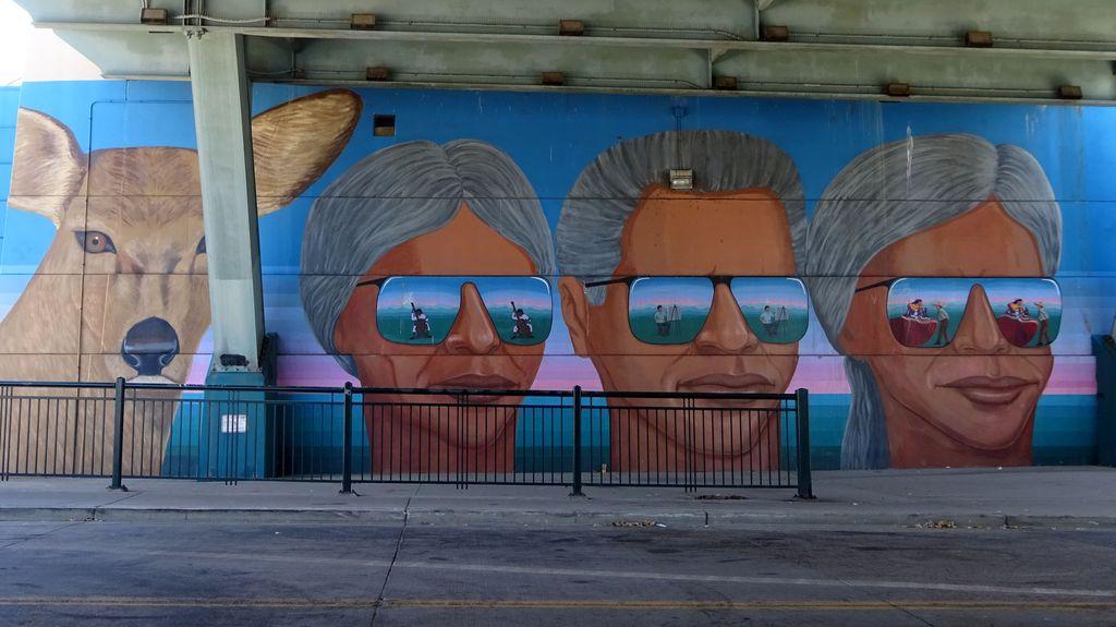 denver street art pont confluence