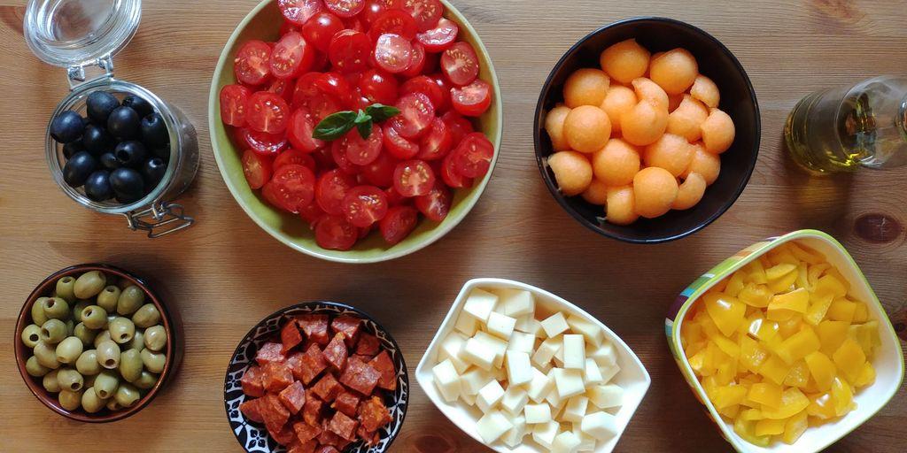 salade espagnole tomate chorizo fromage olives