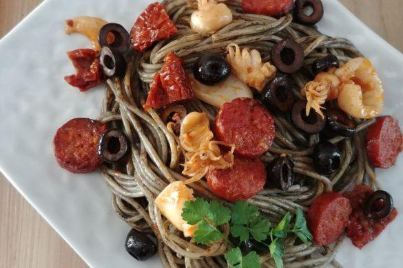 cuisine pates encre de seiche calamar chorizo