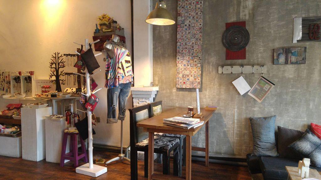 bali sanur gecko coffee shop