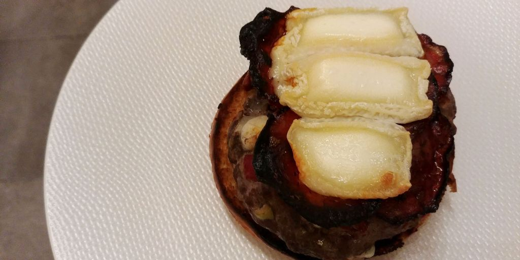 burger chorizo chevre piquillos