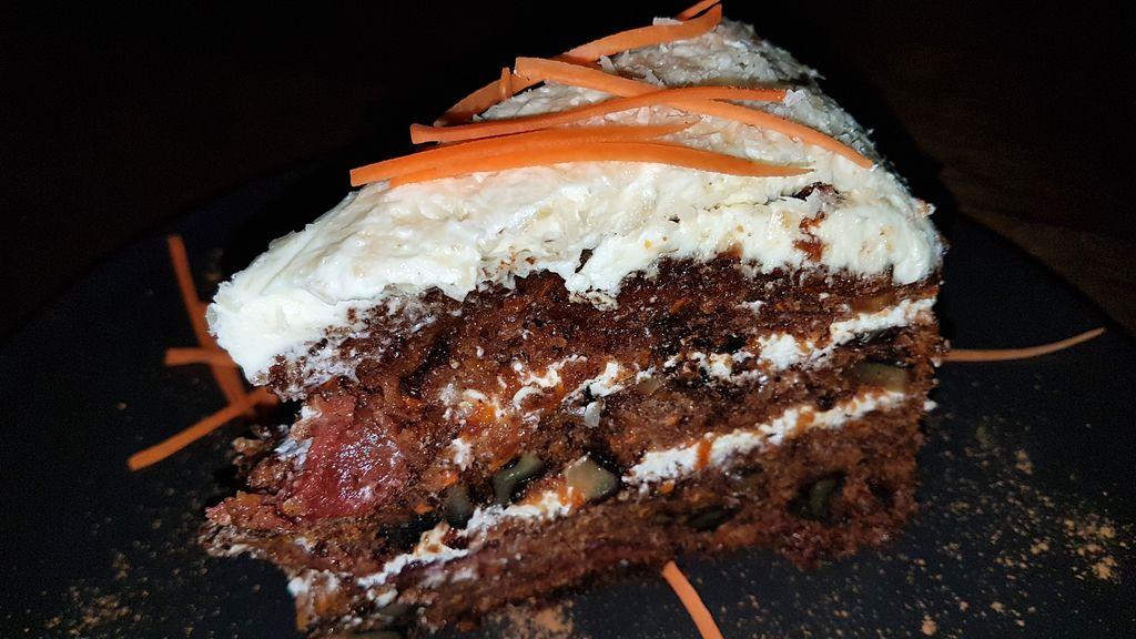el bazar restaurant lombok carrot cake