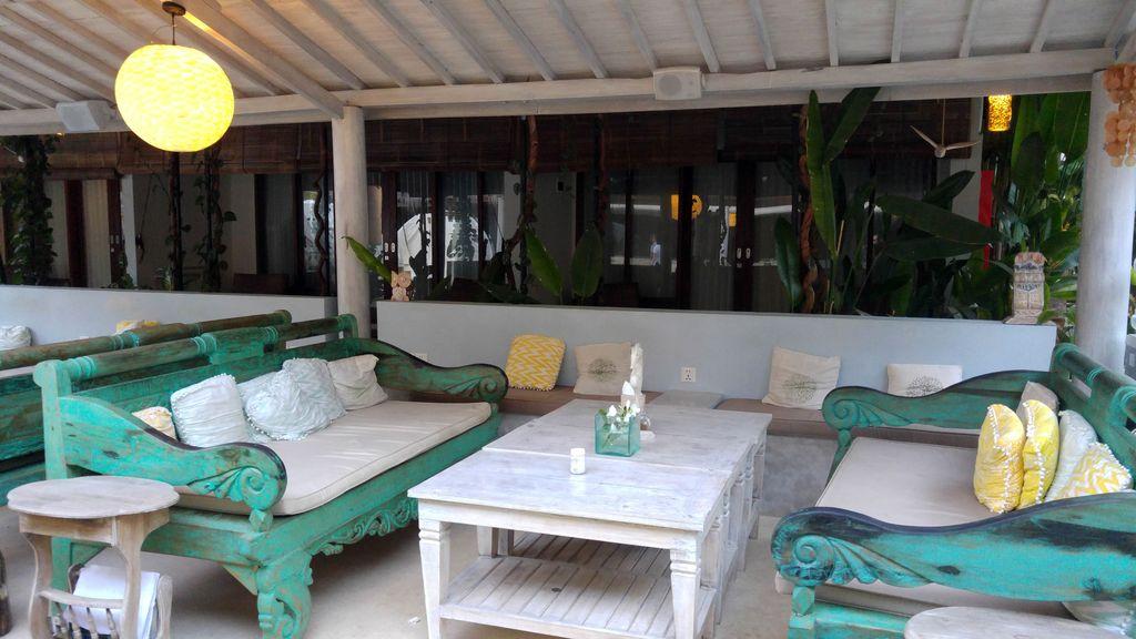 kies villa lounge