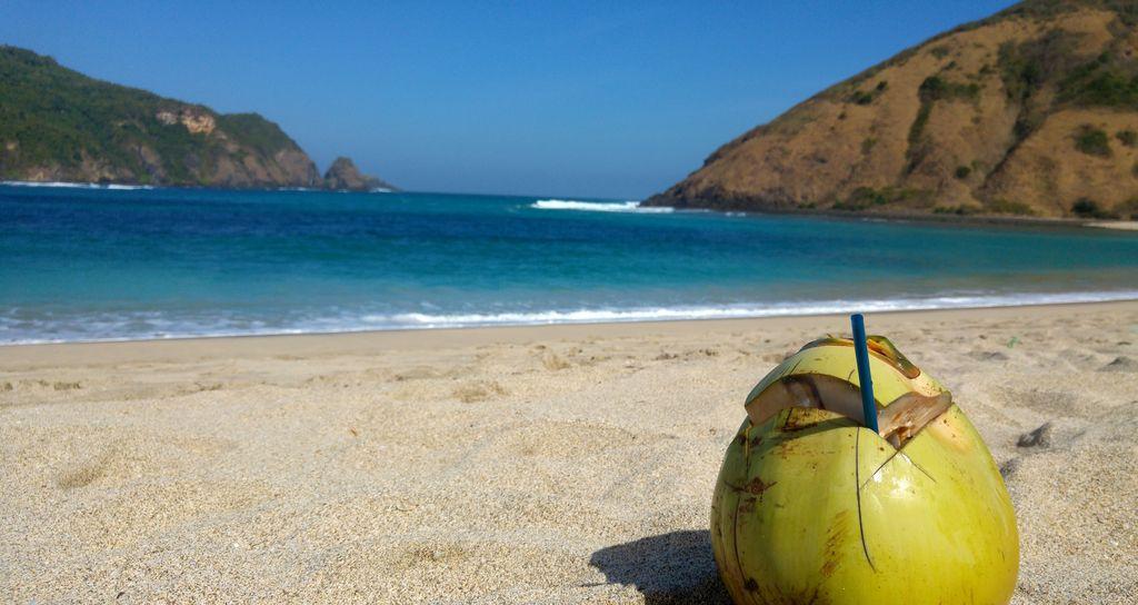 lombok mawun coconut