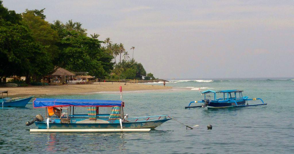 senggigi port plage lombok