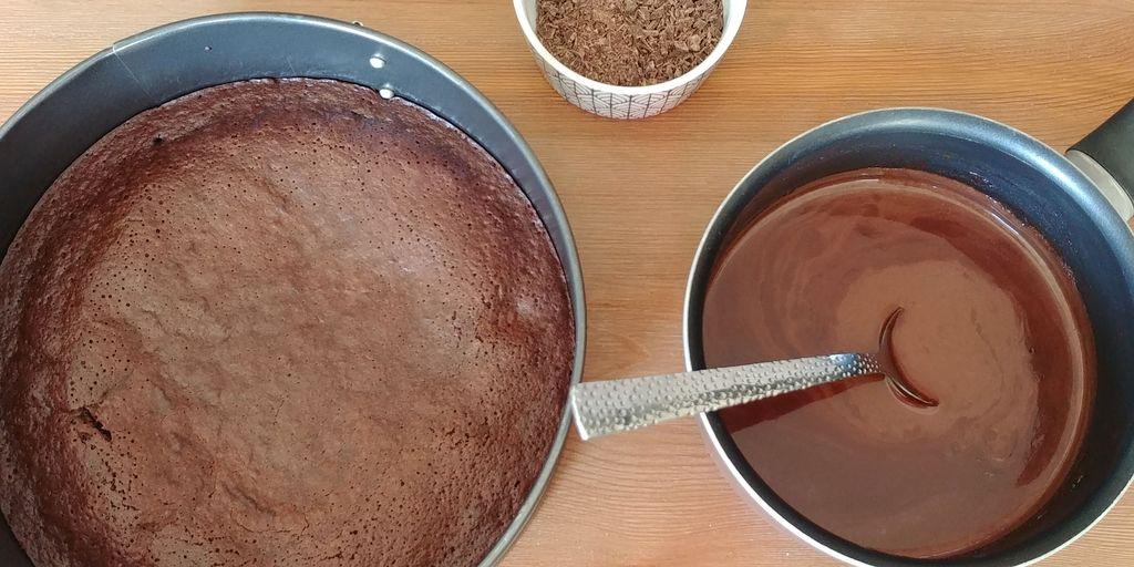 etape de nappage du fondant au chocolat