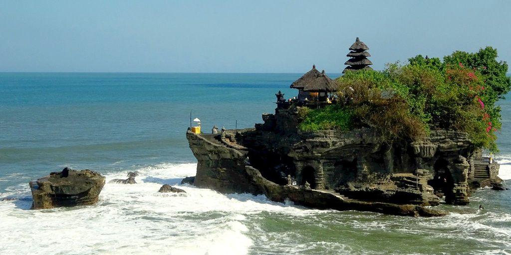 temple sur la mer à bali