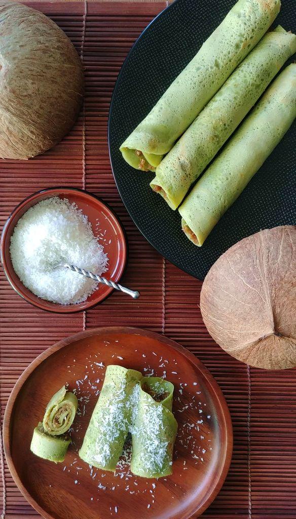 degustation des dadar gulung a la noix de coco