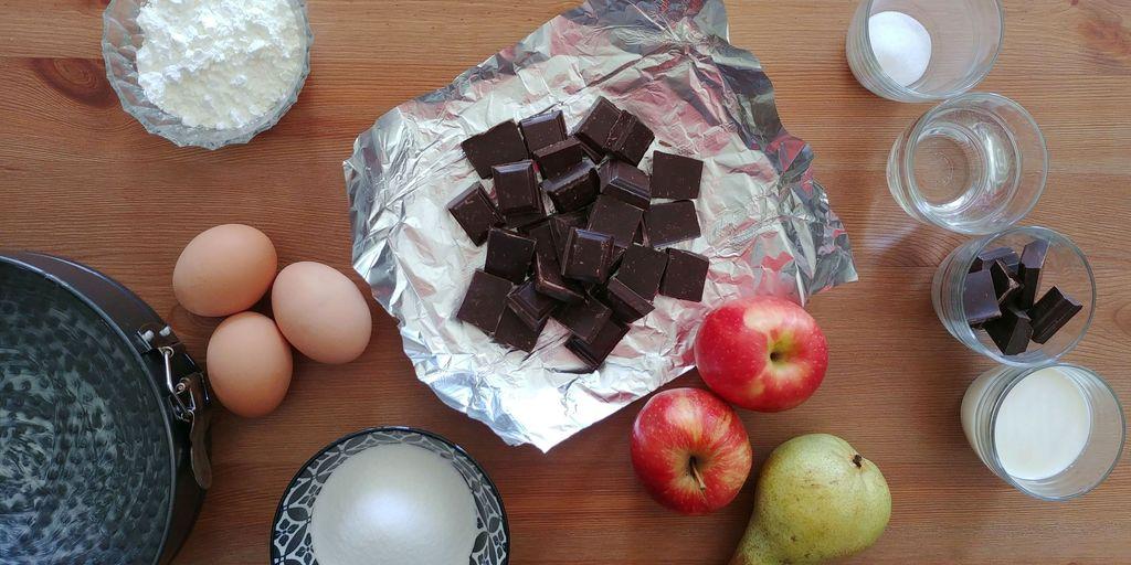 ingredients pour fondant au chocolat avec compote