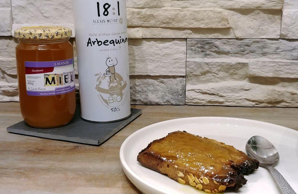 toast de pain, miel et huile