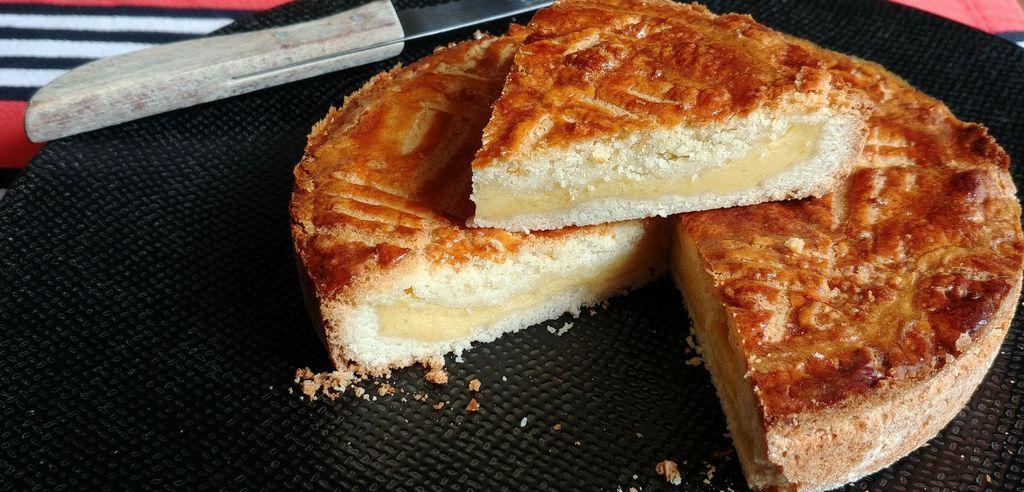 intérieur gâteau basque fourré à la crème