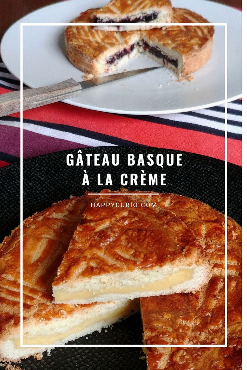gros plan sur gâteau basque à la crème