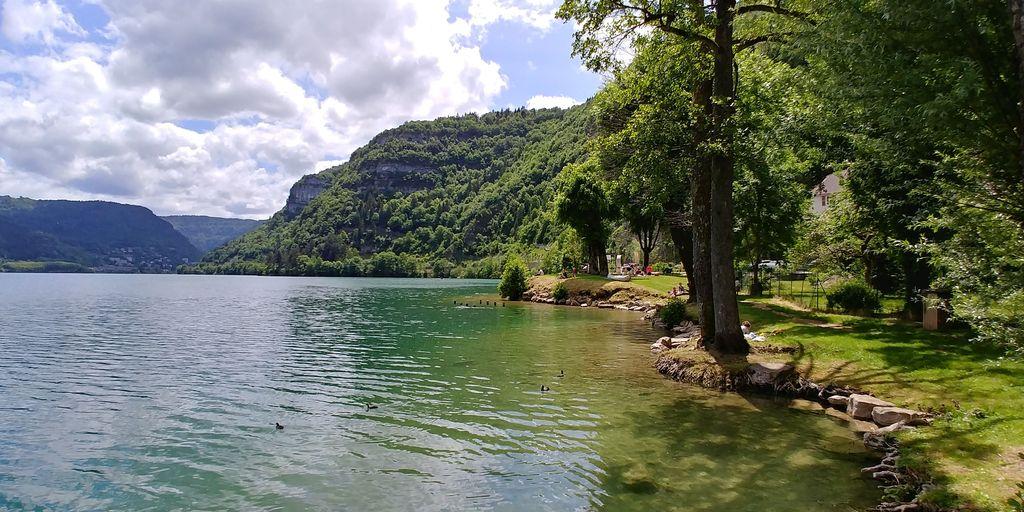 rive du lac à nantua