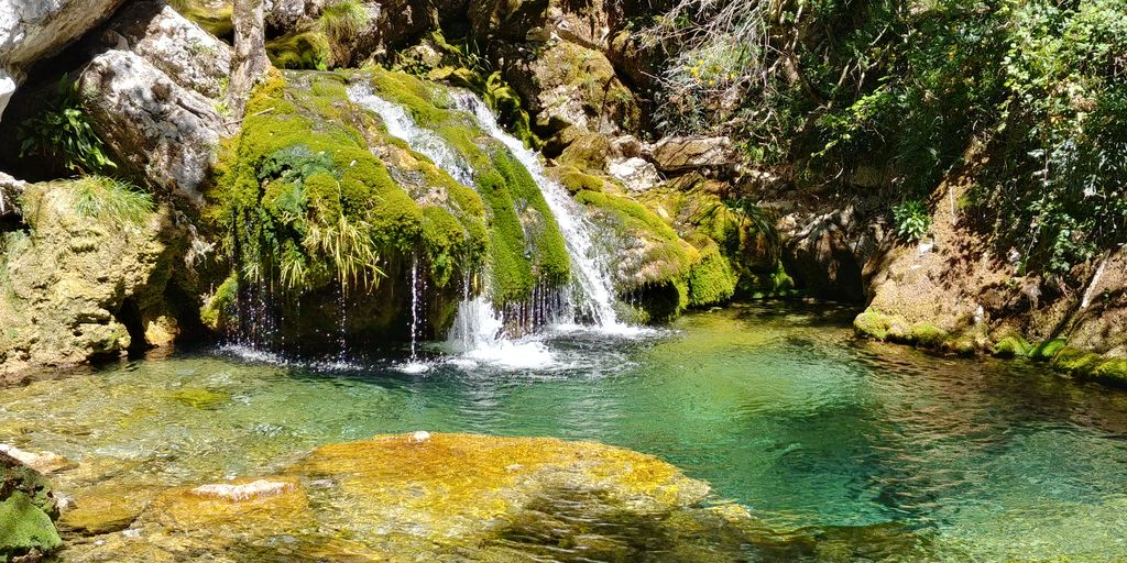 cascade pres de la grotte de choranche