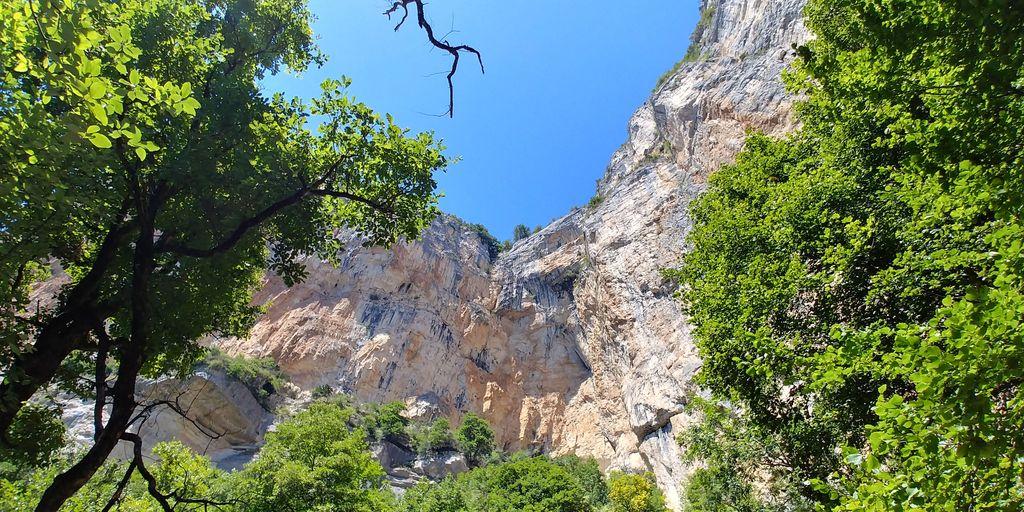 falaise de la grotte de choranche