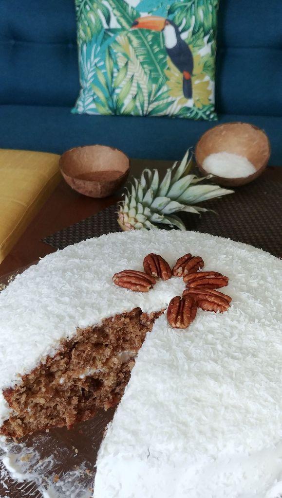 hummingbird cake a la coupe