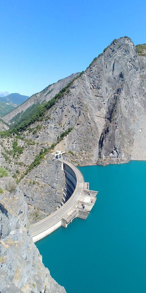 point de vue sur le barrage d'avignonet